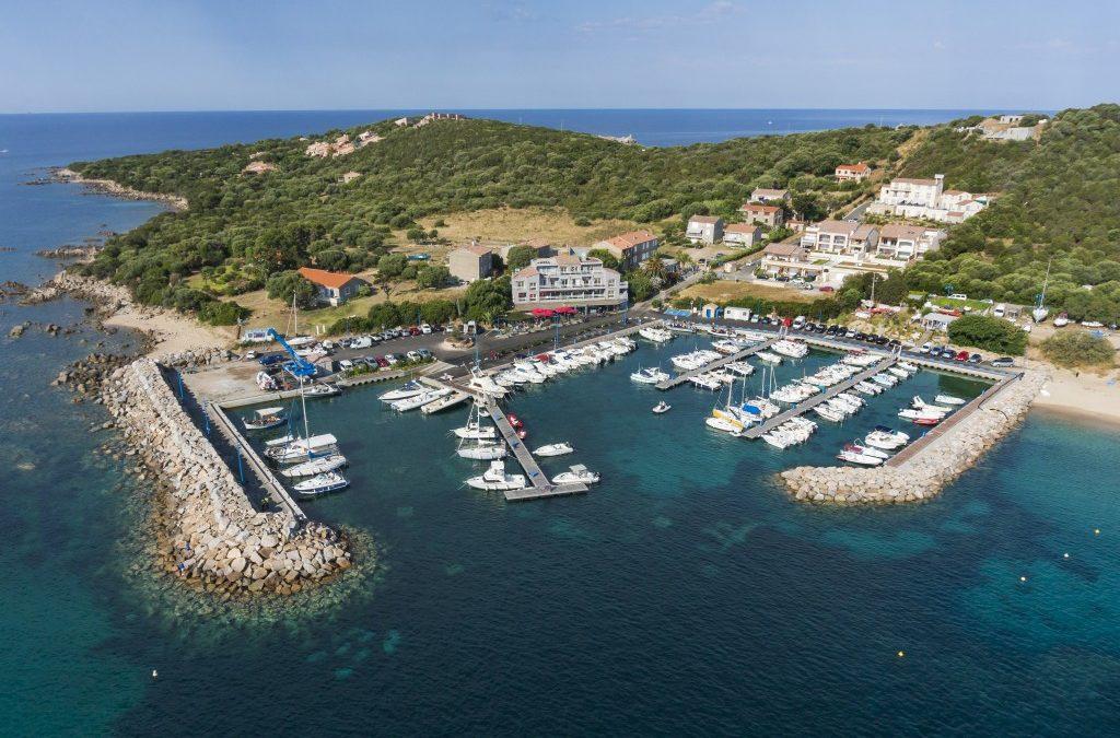 Le port de Porto Pollo