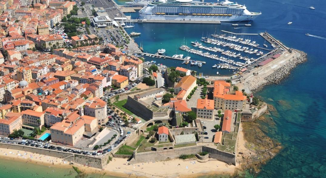 Les ports d'Ajaccio